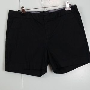 Banana Republic black short size 10 -C9
